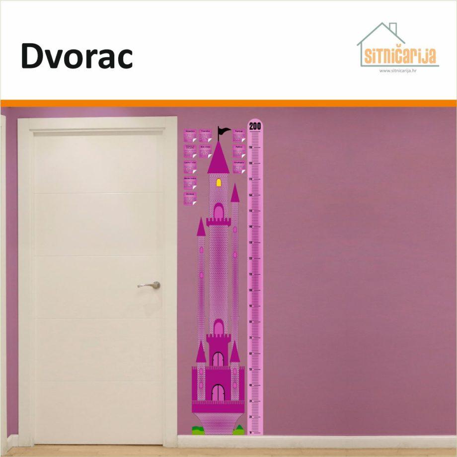 Naljepnica za mjerenje visine - Dvorac u obliku ružičastog dvorca i metra s njegove desne strane zalijepljena na zid s desne strane vrata