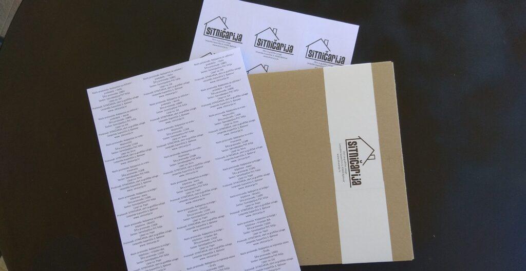 Obične papirne naljepnice u obliku deklaracija i oznaka pakiranja